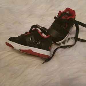 Black red infant Nike's size 2C